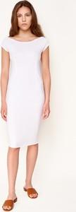 Sukienka Byinsomnia z krótkim rękawem