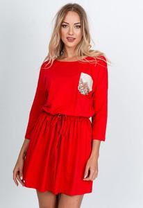 Czerwona sukienka Zoio z okrągłym dekoltem z tkaniny