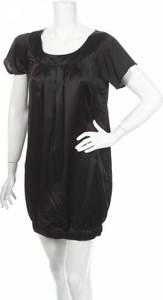 Czarna sukienka Vila z krótkim rękawem mini