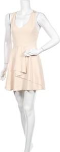Sukienka Made in Italy rozkloszowana bez rękawów