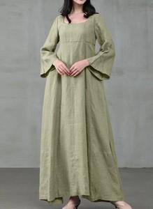Zielona sukienka Arilook w stylu boho maxi z długim rękawem