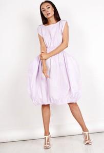 Różowa sukienka Ptakmoda.com z okrągłym dekoltem z krótkim rękawem midi