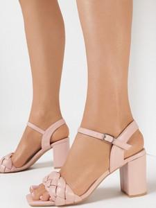 Różowe sandały born2be na wysokim obcasie