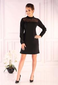 Czarna sukienka MERRIBEL z długim rękawem w stylu casual trapezowa