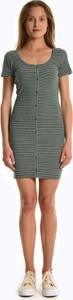 Zielona sukienka Gate z krótkim rękawem mini w stylu casual