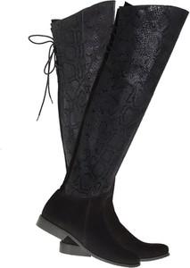 Czarne kozaki Lafemmeshoes z płaską podeszwą za kolano ze skóry