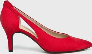Czerwone szpilki Marco Tozzi w stylu klasycznym