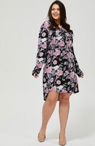 Sukienka Moodo koszulowa