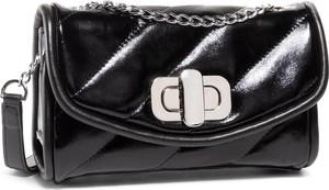 Czarna torebka Gino Rossi mała w stylu casual pikowana