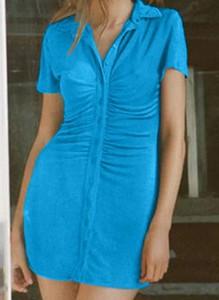 Niebieska sukienka Arilook z krótkim rękawem mini szmizjerka