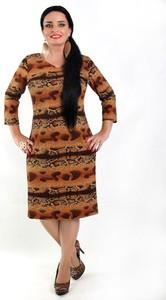 Brązowa sukienka Oscar Fashion z długim rękawem z dekoltem w kształcie litery v