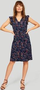 Sukienka Greenpoint z dekoltem w kształcie litery v mini