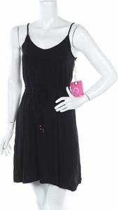 Czarna sukienka Ardene na ramiączkach w stylu casual mini