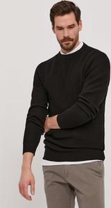 Czarny sweter Selected z okrągłym dekoltem z bawełny
