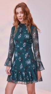 Sukienka Trendyol w stylu casual rozkloszowana z okrągłym dekoltem
