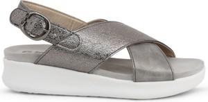 Sandały Inblu z klamrami ze skóry w stylu casual
