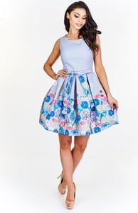 Niebieska sukienka TAGLESS