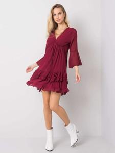 Czerwona sukienka Sheandher.pl z długim rękawem w stylu casual