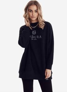 Czarna bluzka born2be z długim rękawem z okrągłym dekoltem