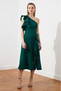 Sukienka Trendyol bez rękawów midi