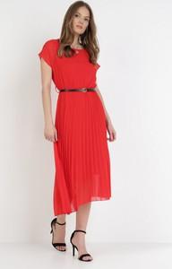 Sukienka born2be z krótkim rękawem z okrągłym dekoltem midi