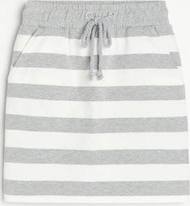 Spódnica Reserved w młodzieżowym stylu