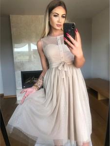 Sukienka producent niezdefiniowany bez rękawów rozkloszowana