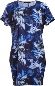 Niebieska sukienka Look made with love z jedwabiu