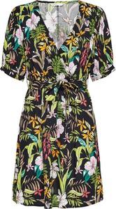 Sukienka Only trapezowa z dekoltem w kształcie litery v z krótkim rękawem