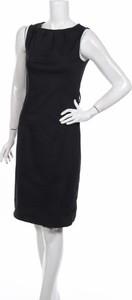 Czarna sukienka Meaneor bez rękawów prosta z okrągłym dekoltem