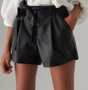 Czarne szorty Mohito w rockowym stylu ze skóry ekologicznej