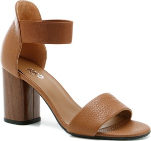 Brązowe sandały Ryłko na obcasie