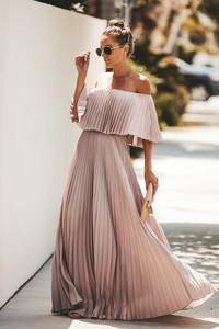 Różowa sukienka Ivet.pl maxi z krótkim rękawem