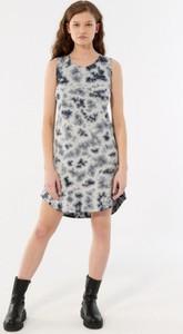 Sukienka Outhorn mini w stylu casual