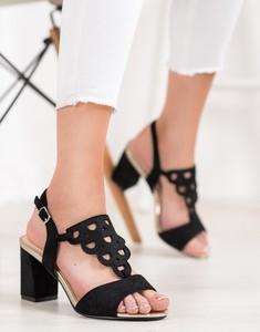 Sandały Czasnabuty z klamrami na obcasie