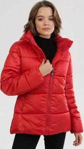 Czerwona kurtka born2be w stylu casual