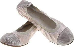 Różowe baleriny Lafemmeshoes z płaską podeszwą ze skóry w stylu casual