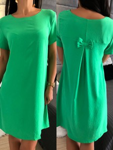 Zielona sukienka ModnaKiecka.pl z okrągłym dekoltem