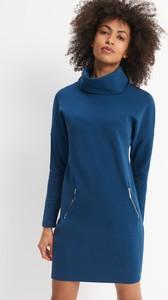 Niebieska sukienka Mohito z długim rękawem prosta z bawełny