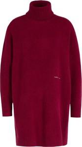 Czerwona sukienka Tommy Jeans z golfem z długim rękawem