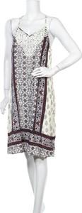 Sukienka Knox Rose na ramiączkach z okrągłym dekoltem
