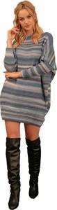 Sukienka Fobya z wełny z długim rękawem w stylu casual