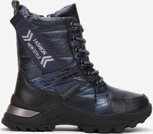 Granatowe buty dziecięce zimowe born2be