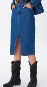 Niebieska spódnica House midi z jeansu