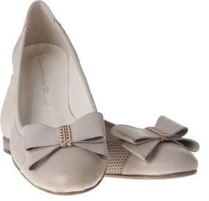 Baleriny Lafemmeshoes ze skóry w stylu casual