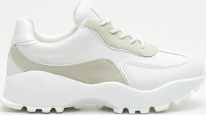 Sneakersy Cropp sznurowane na platformie