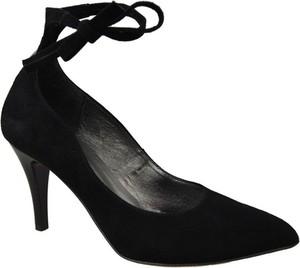 Czarne szpilki Jankobut z weluru w stylu klasycznym na szpilce