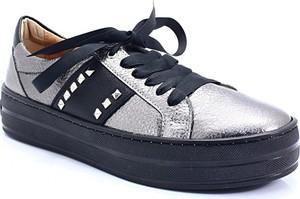 Trampki Ulmani Shoes z płaską podeszwą ze skóry sznurowane
