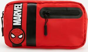 Reserved - Saszetka z motywem Marvel - Czerwony