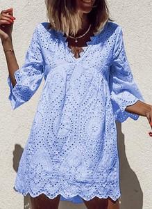 Niebieska sukienka Sandbella w stylu boho z długim rękawem